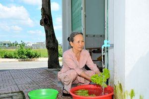 Nắng nóng kéo dài, người dân Đà Nẵng phải dùng nước nhiễm mặn
