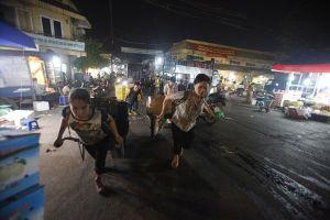 Lao động phi chính thức: Những bánh xe chợ đời