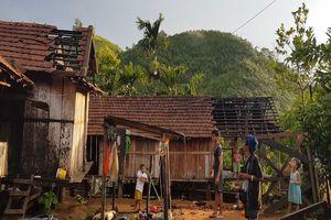 Lốc xoáy gây thiệt hại nặng ở Quảng Ngãi 