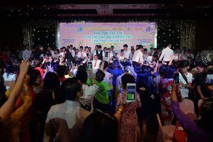 Những chuyện đời xúc động trong lễ cưới tập thể của 41 cặp vợ chồng khuyết tật