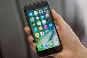Đi mua iPhone cũ nhớ làm điều này để khỏi 'tiền mất, tật mang'