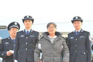 2 nữ quan tham Trung Quốc sa lưới trong 'chiến dịch săn cáo'