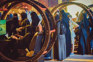 Phụ nữ Arab Saudi chính thức được phép lái xe