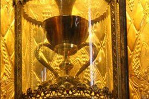Bí ẩn bao trùm 5 vật thiêng gây tranh cãi nhất