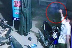Trưởng công an xã nổ súng giải tán nhóm thanh niên hỗn chiến