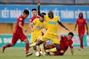 Tiến Dũng bắt chính, FLC Thanh Hóa thắng trận thứ 4 liên tiếp