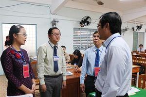 Thứ trưởng Bộ GD-ĐT kiểm tra các điểm thi tại các tỉnh miền Tây