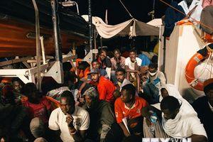 Bồ Đào Nha sẽ tiếp nhận một phần người di cư trên tàu Lifeline