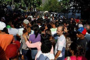 Bạo loạn bắt giữ con tin tại nhà tù tại Venezuela