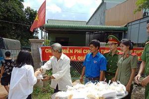 Đắk Nông: Thầy giáo tặng hàng trăm suất cơm miễn phí cho học trò vùng cao