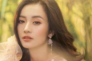 Jun Vũ tung bộ ảnh mới đẹp dịu dàng, thanh khiết như sương mai khiến nhiều người ngẩn ngơ
