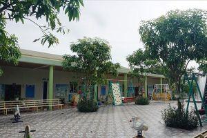 Cơ sở mầm non có giáo viên quỳ gối xin dạy bỏ không, phụ huynh khóc vì con không có chỗ học
