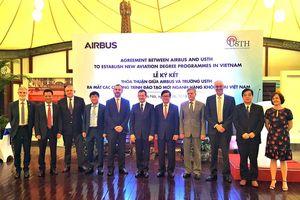 Airbus chi hơn 50 tỷ đồng hỗ trợ đào tạo hàng không cho sinh viên Việt Nam