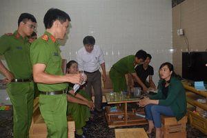 Thừa Thiên-Huế: Liên tiếp bắt giữ cà phê giả, rượu lậu