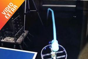 Trải nghiệm trò chơi bóng bàn bằng kính thực tế ảo