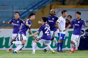 Vòng 16 V-League: Hà Nội FC thắng nhọc, Nam Định thoát cảnh 'đội sổ'