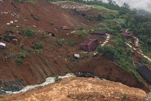 Sạt lở đất ở Sáng Tùng, 28 căn nhà bị vùi lấp
