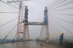 Cầu Bạch Đằng phải 2 tháng nữa mới thông xe