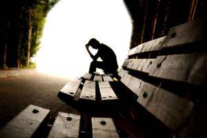 'Trong cơn khủng hoảng vỡ nợ, anh ấy có ý định NHẢY CẦU TỰ TỬ vì không muốn liên lụy vợ con'