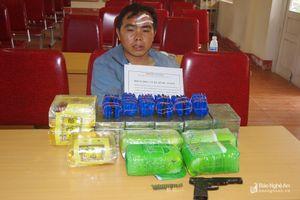 Lòng tham của thầy giáo ôm súng cùng 20 bánh heroin, 7kg ma túy qua biên giới