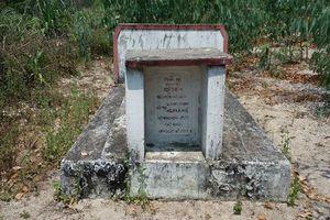 Thực hư chuyện quanh mộ người đàn bà và kho báu trong rừng cấm