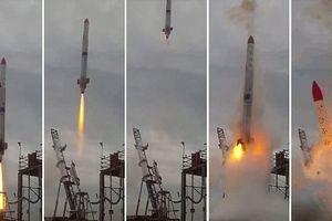 Tên lửa dài 10 mét của Nhật phát nổ khi vừa rời bệ phóng