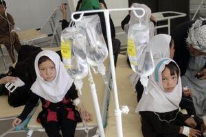 Hơn 60 nữ sinh Afghanistan trúng độc từ nguồn nước