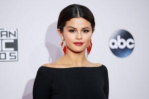 Selena Gomez phản đối chính sách nhập cư cứng rắn của ông Donald Trump
