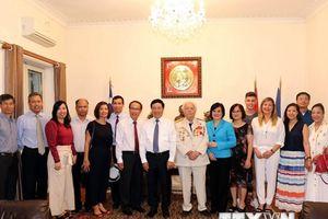 Phó Thủ tướng Phạm Bình Minh thăm Đại sứ quán Việt Nam tại Hy Lạp