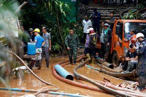 Tìm thấy đội bóng thiếu niên kẹt trong hang ở Thái Lan