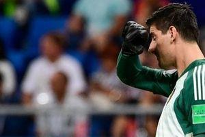 Courtois 'muối mặt' sau khi lên giọng chỉ trích thủ môn tuyển Anh