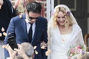 Người tình 14 năm không cưới của Johnny Depp lên xe hoa ở tuổi 45