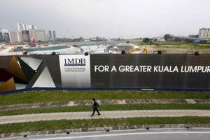 Malaysia phong tỏa hơn 400 tài khoản, thẩm vấn con riêng vợ cựu Thủ tướng Najib