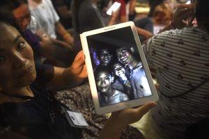 Điều kỳ diệu nào giúp đội bóng Thái Lan sống sót 9 ngày trong hang?