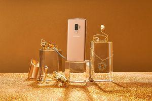 Lấp lánh kiêu hãnh - Galaxy S9+ lên ngôi hoàng kim trong kho báu phụ kiện