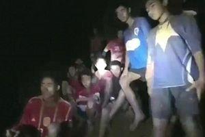 Tại sao đội bóng nhí Thái Lan lại vào hang động để bị mắc kẹt?