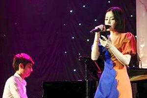 Cover hit Mỹ Tâm, Chi Pu bị chê hát chán, tụt cảm xúc