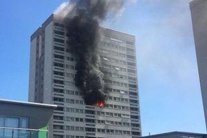 Anh: Lại cháy chung cư 21 tầng