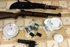 Hải Phòng: Cảnh sát hóa trang, triệt phá 'lô cốt' ổ bạc Quang 'Tề'