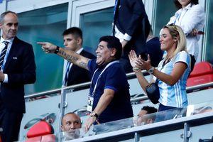 FIFA phê phán huyền thoại Maradona