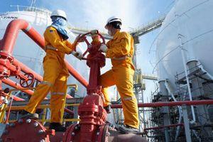 Doanh nghiệp 24h: Tỷ giá tăng cao, doanh nghiệp xăng dầu 'ngồi trên đống lửa'