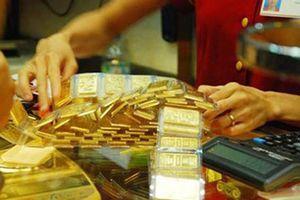 Giá vàng giảm nhẹ, nhận định bảo hộ thương mại có lợi cho nhiều quốc gia?