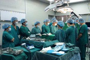 Hai người đàn ông ngừng tim hiến tạng cứu sống 6 người