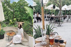 Biết trốn ở đâu khi Hà Nội 'quá nóng, quá nguy hiểm'? Chính là những quán cafe xanh mướt này đây!