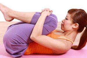 5 bài tập yoga buổi sáng chỉ cần nằm trên giường: Người lười cỡ nào cũng giảm cân thành công