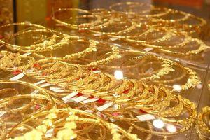 Cuối tuần, vàng SJC giảm giá