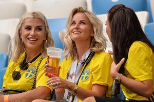Mỹ nữ tuyển Anh đọ sắc với người đẹp Thụy Điển ở tứ kết