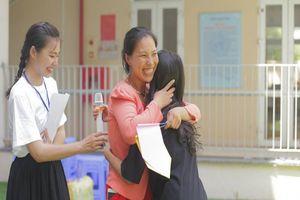 Cha mẹ rơi nước mắt trải lòng với con tuổi teen