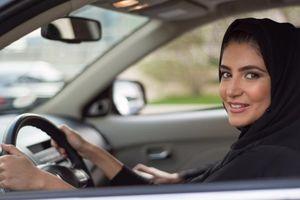 Được lái xe, phụ nữ Saudi Arabia đi làm tài xế