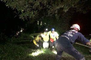 10 thành viên cứu hộ đội bóng nhí Thái Lan bị thương